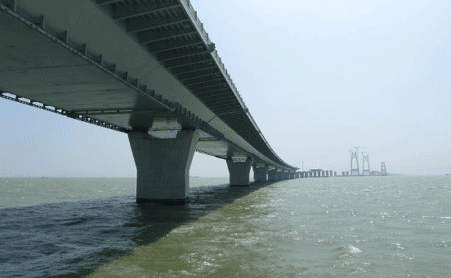 Zhuhai-Macao Bridge Closure can be Built with the Steel Quantity 60 Eiffel
